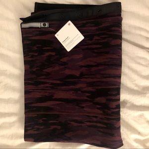 Maroon/black printed vinyasa scarf
